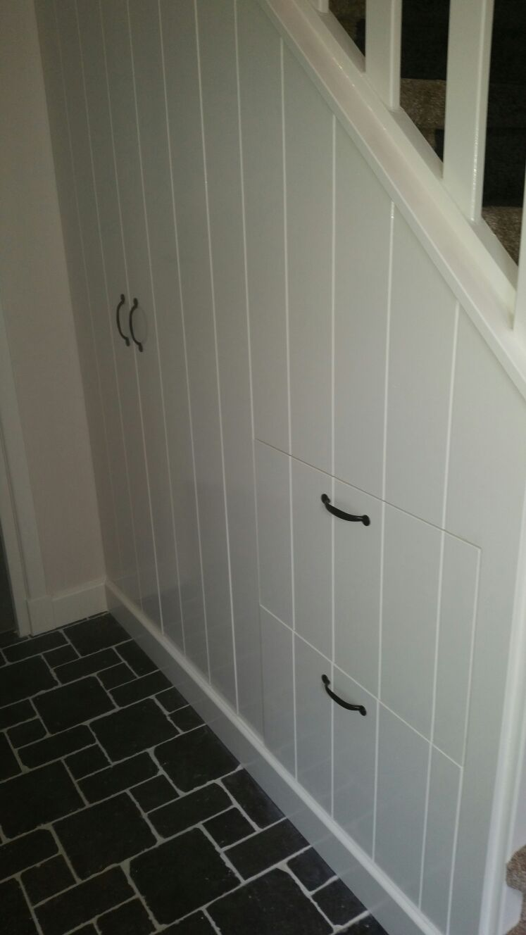 Woning Lunteren | o.a. kastenwand, tegelvloer, toilet en badkamer ...